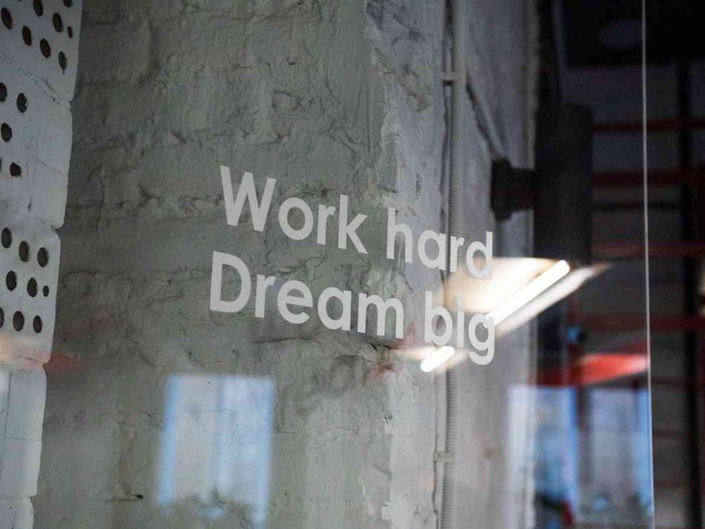 slogan-of-amazon-work-hard
